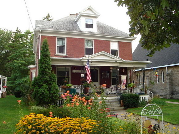 Sunny's Roost Bed & Breakfast