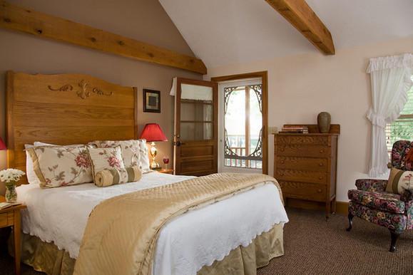 The White Oak Inn