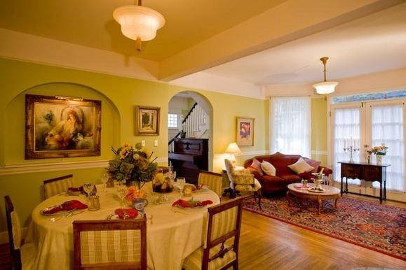 Old Thyme Inn Bed and Breakfast